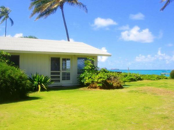 Lanikai Beachfront Cottage